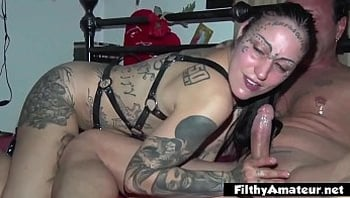 Tattooed Girl, Black Teen and the fucking machine!
