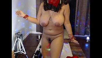 Amateur Indian housewife Mirchi Bhabhi naked dance on webcam on Bollywood songs