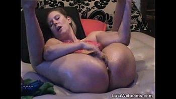 Blonde Milf squirts on webcam