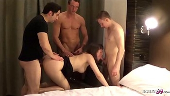Privat No Condom Creampie Gangbang with German Teen Elise 2