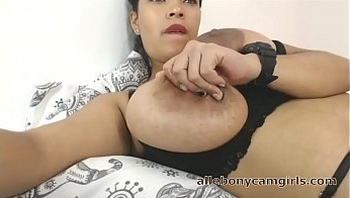 Roxy Ebony Huge Tits Nipples Webcam - allebonycamgirls.com