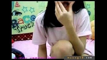 Em girl show hang cao long truoc webcam