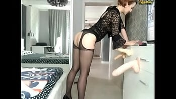 Tall Legs and Short Hair Beauty Teases you on webcam