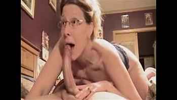 Amazing Deepthroat Blowjob By Mature Amateur Wife ! - xHamster.com[1]