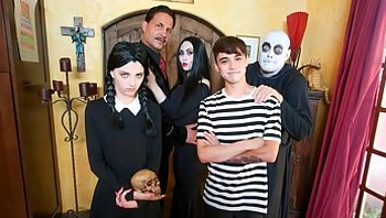 Halloween Group Sex Within Their Family : Audrey Noir, Kate Bloom