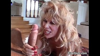 Sexy blonde skank sucks hard cock
