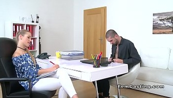 Female agent gets huge cunt cumshot in casting