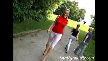 Annette Schwarz - Piss Park