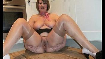 mature women spreading 1