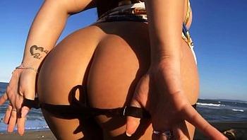 Public Nude Beach Voyeur Brazil esposa exibicionista na praia Exhibitionist