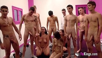 School Bukkake! Even the viewers join the orgy