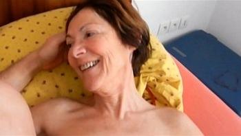 boyfriend fuck ass slut granny Clarill on bed smile and come closeup
