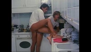 Italian vintage porn: fucked in the kitchen!
