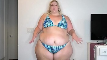 hot ssbbw dancing in bikini
