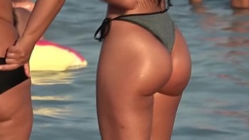 Perfect ass in beach