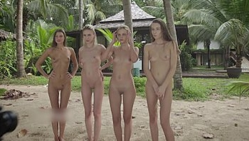 4 Nude Girls on a fotoshoot at Beach