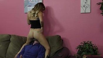Hot Teen Sorority Girl Makes Him Obey - Pamela Morrison - Femdom