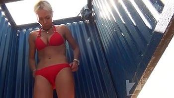 voyeur-russian beach kabin (29)