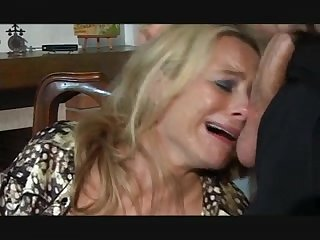 Anal blond doxy gives orall-service and receives valuable assfucking