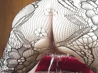 Making myself wet then peeing