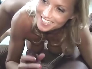 Cougar Housewife Can