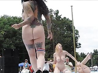 Nudes a Poppin 2016 outdoor dancers part 2
