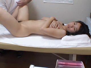 Super-hot Jap babe fingered in hidden cam massage video