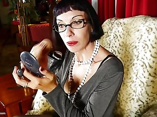 Mature skinny nerd mother with very hungry cunt
