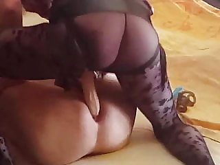A short strapon fuck for hubby