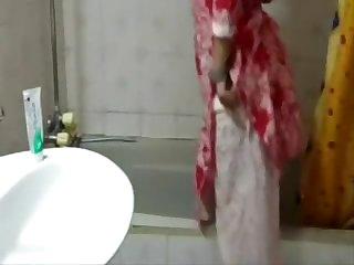 Pakistani chick taking bathroom full movie scene
