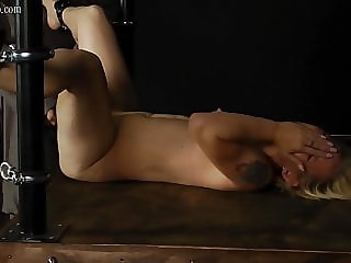 dr Lomp World - Pussy Beating