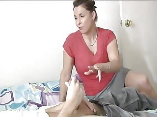 MILF gives a deepthroat to die for