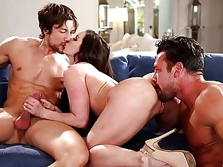Kendra Lust In a Hardcore Threesome