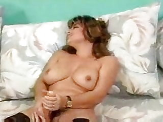 hermaphrodite jack off and cums from her pussy