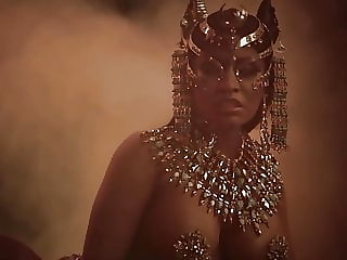 Nicki Minaj Nude Body