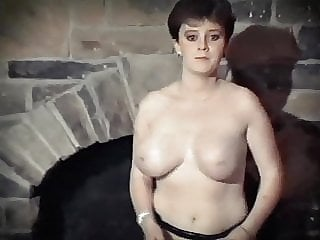 PLAY THAT GAME - vintage big jiggly tits strip dance tease