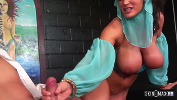 Genie Lisa Wishes for a Sex Slave!