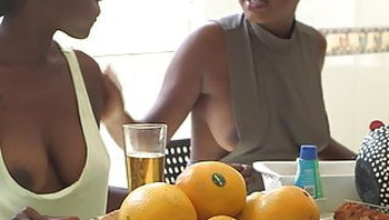 downblouse, nipslip, boobslip, ebony, big boobs, africa