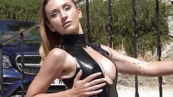 Latex Mistress Worship - Latex Model