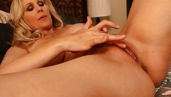 I want my Mommy! Julia Ann Fingers Her Sweet Mature Muff!