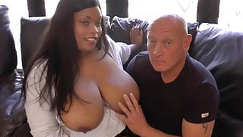 Pornstar big tits Cookie sizes up a big white cock