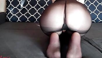 Show my pretty legs in nylon