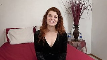 Casting redhead, squirting Vanessa, Desperate Amateurs