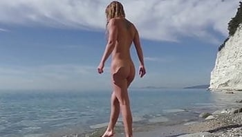 Travel thrash. Nudist girl unexpectedly sucks blogger's dick