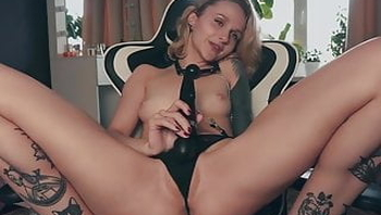 Blonde babe with natural tits fucked herself with her dildo