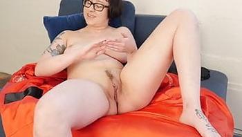 Yanks Vi Masturbating