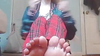 Blonde Teen Live Feet