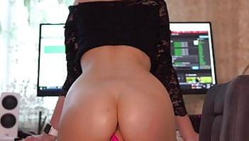 Perfect ass Alyssa Pusy twerking  on massive dildo