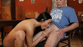 DADDY4K. Chick unexpectedly cheats on her boyfriend with his dad