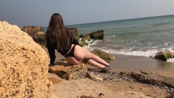 Fast Risky Sex on Public Beach. Outdoor